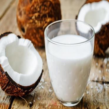 """Why """"Coconut milk"""" is good for your health?"""
